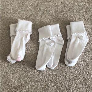 Nordstrom Accessories - Nordstrom Lettuce edge little girls white socks